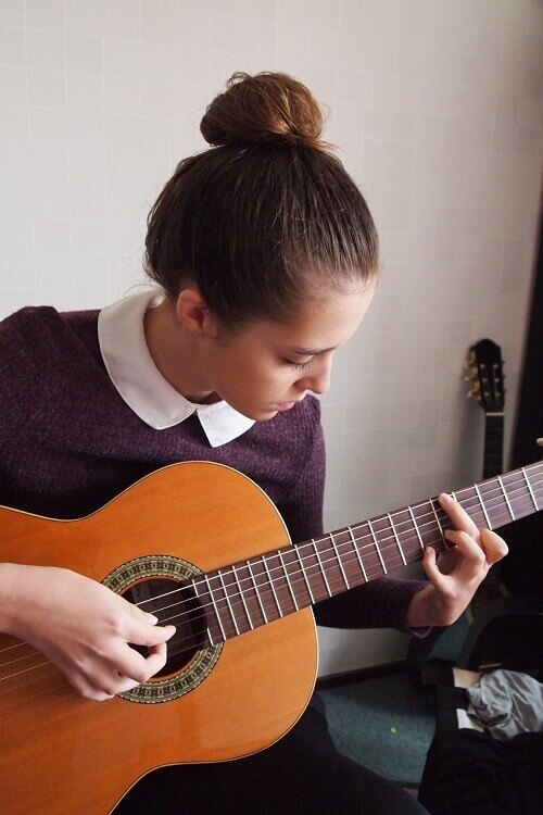 Clases de guitarra y guitarra eléctrica